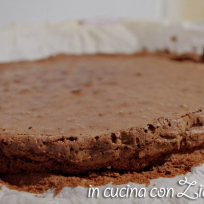 base dolce cioccolato e amaretti