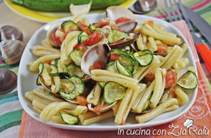 Caserecce vongole e zucchine fritte