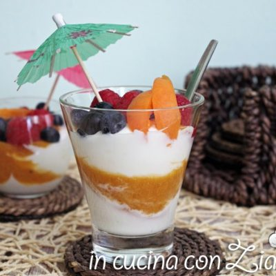 bicchierini yogurt greco albicocche e chiodi di garofano