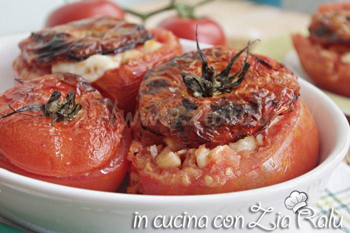 pomodori ripieni di pasta prosciutto cotto e asiago al forno