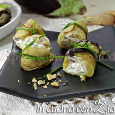 Involtini di melanzane - antipasto finger food