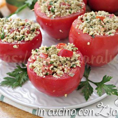 Pomodori ripieni di uova e capperi - ricetta estiva