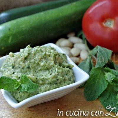 Pesto di zucchine cotte alle mandorle