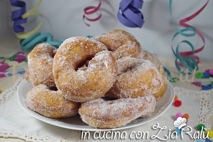 Ciambelle fritte alle patate