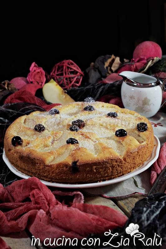 torta alla panna mele e amarene