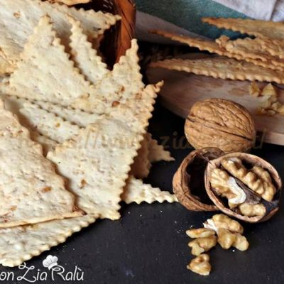 crackers con le noci