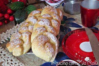 Treccine di pan brioche alla panna e arancia