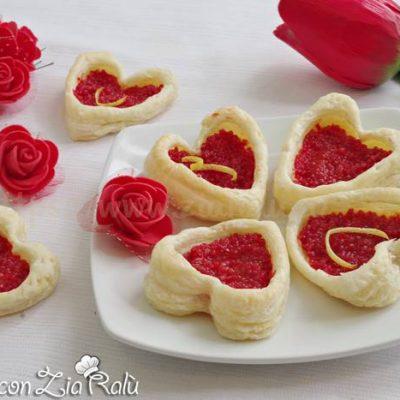 Cuori di pasta sfoglia salati - Antipasto in love