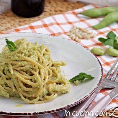 Spaghetti al pesto di fave e pecorino