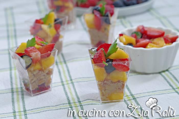 Antipasto taralli e tonno alla frutta