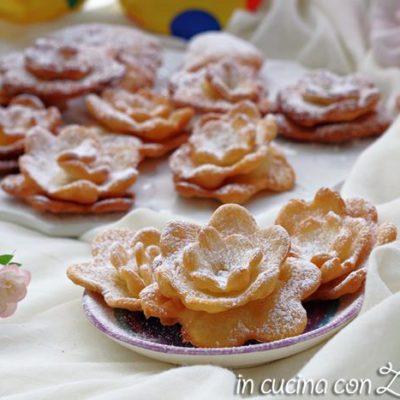 rose di carnevale fritte