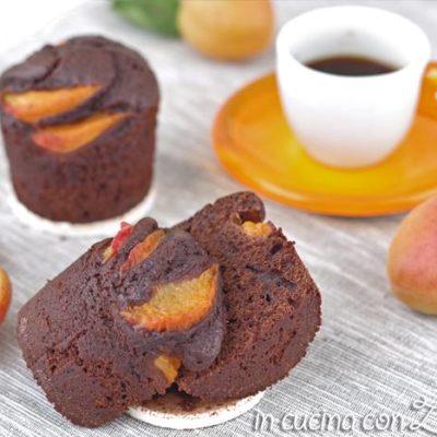 I muffins cacao e albicocche sono dei dolci all'olio