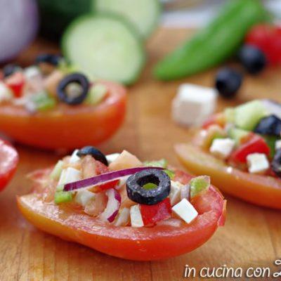 barchette di pomodori alla greca