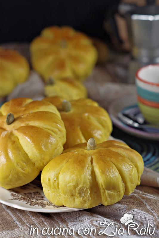zucche di pan brioche alla zucca