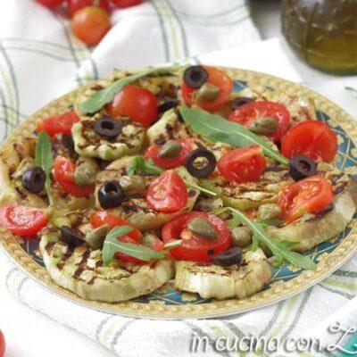 melanzane grigliate pomodorini e olive